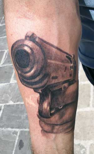 guns-tattoo